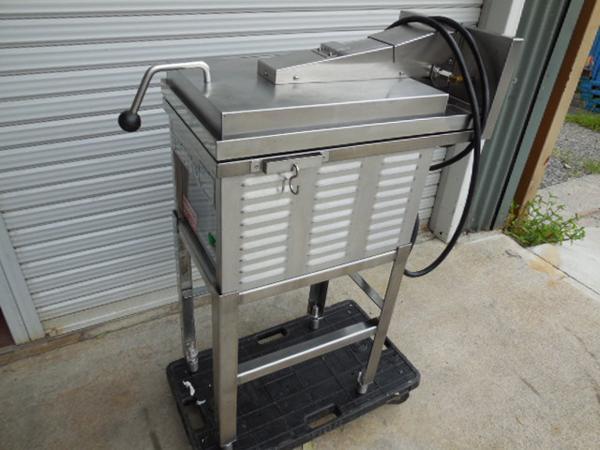 ニチワ 電気餃子焼器 1連式 WGM-2.8