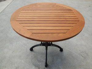 店舗用カフェテーブル 円形 木製天板