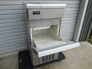 サンヨー 製氷機 アンダーカウンタータイプ SIM-S2500