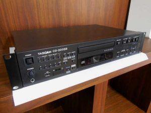 TASCAM業務用CDプレーヤーCD-200SB